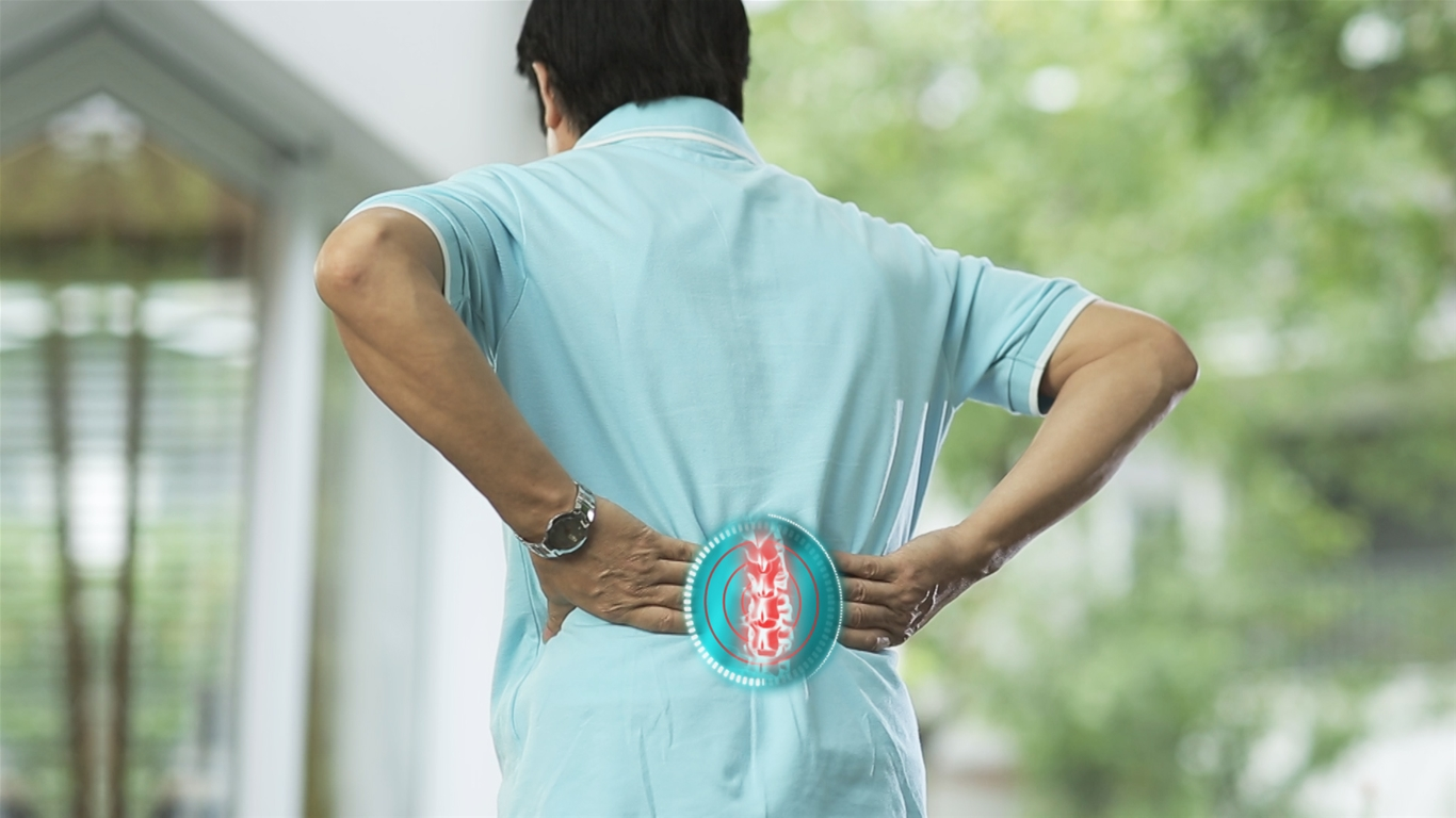 bien-chung-nguy-hiem-sau-phau-thuat-thoat-vi-dia-dem-1 - triệu chứng sau khi mổ thoát vị đĩa đệm