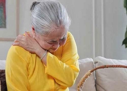 Thoát vị đĩa đệm cột sống cổ ở người già