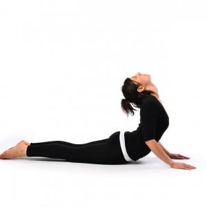 Tư thế tập yoga chữa đau lưng con rắn