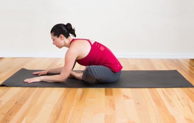 10-bai-tap-yoga-chua-dau-lung-cho-phu-nu-10
