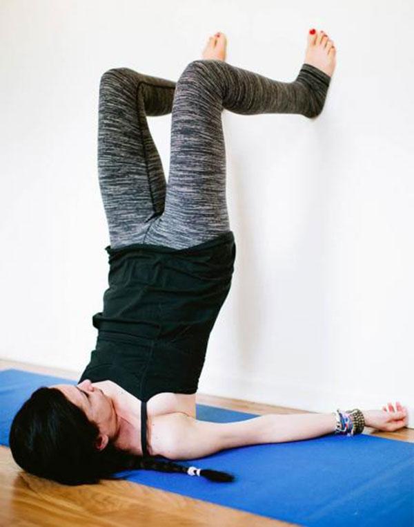 10-bai-tap-yoga-chua-dau-lung-cho-phu-nu-7