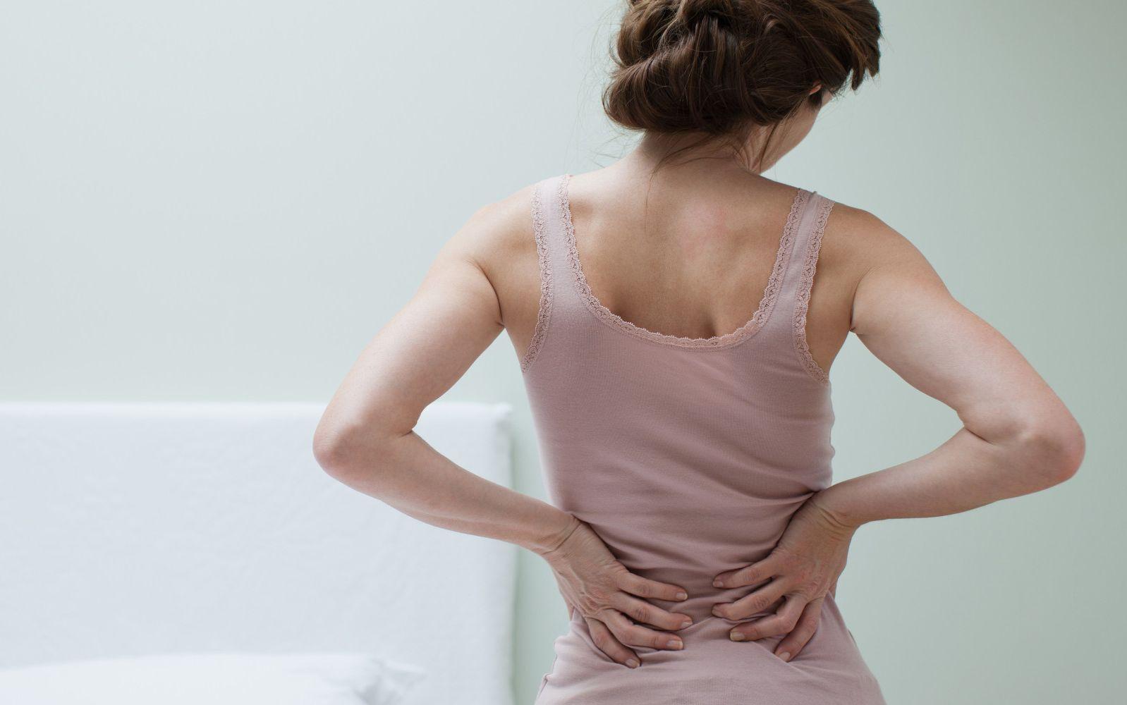 triệu chứng đau lưng cấp tính