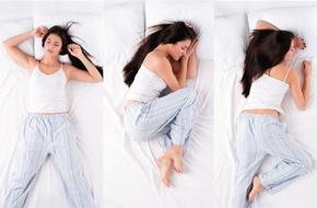 đau cột sống lưng khi ngủ dậy