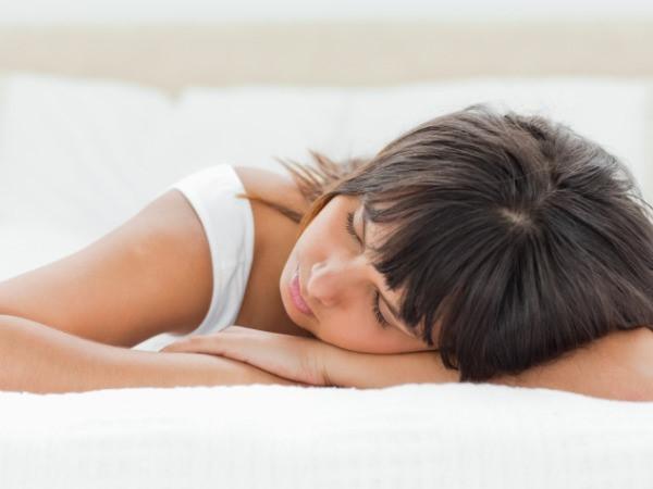bệnh đau lưng khi nằm ngủ