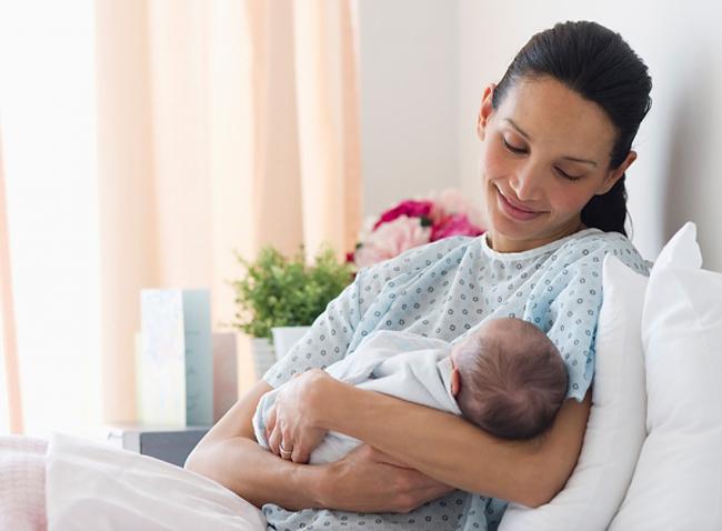 Đau lưng ở phụ nữ sau sinh và những điều cần biết-2