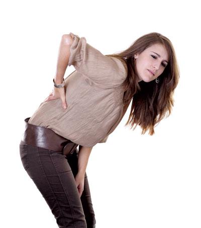 Triệu chứng đau lưng kéo dài chớ nên xem thường-1