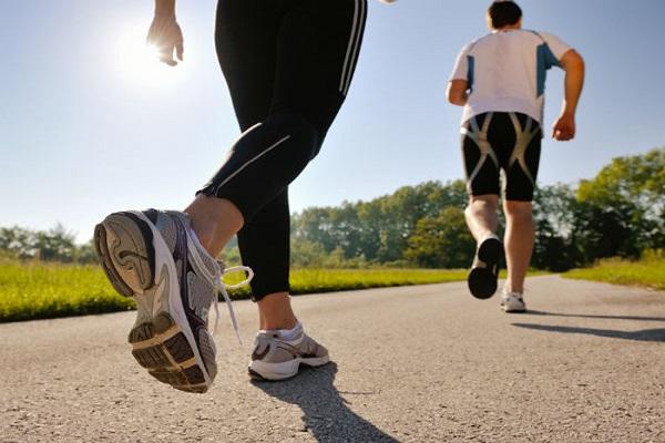 Đau lưng có nên đi bộ, chạy bộ không ?-2