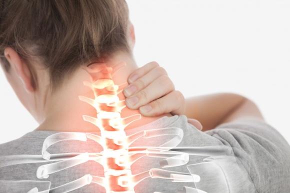 Nên cẩn thận chứng đau lưng đau cổ do thoái hóa-1