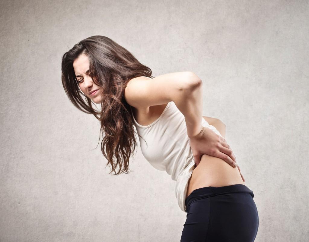Triệu chứng đau ê ẩm vùng lưng có nguy hiểm không?-1