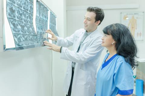 điều trị thoát vị đĩa đệm cần kết hợp nhiều phương pháp
