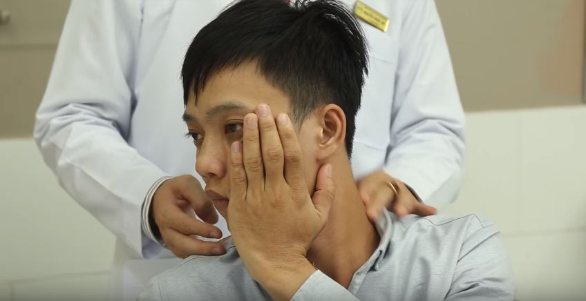 5 bài tập vật lý trị liệu chữa thoát vị đĩa đệm cổ đơn giản-6