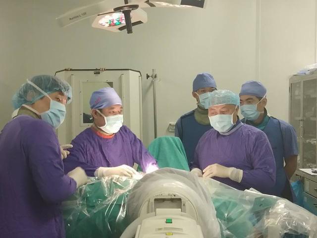 mổ thoát vị đĩa đệm nội soi bệnh viện Việt Đức