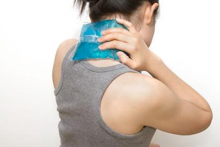 Điều trị thoát vị đĩa đệm cột sống cổ bằng nhiệt