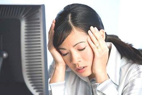 Cẩn thận các nguồn khí lạnh thổi từ sau gáy vì dễ gây trúng gió - cách chữa trúng gió đau cổ - cách chữa đau vẹo cổ