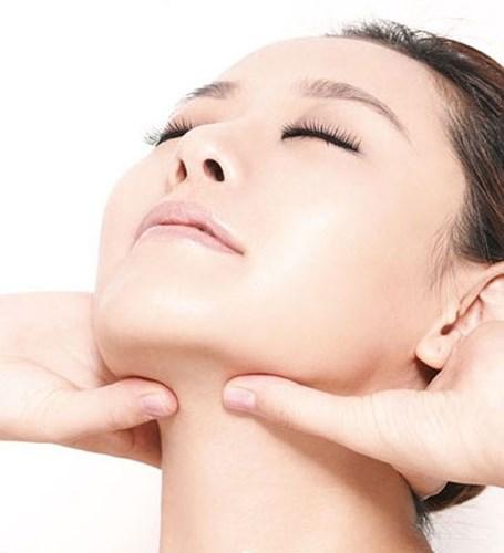 Massage tại vị trí đau