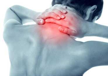 Những nguyên nhân nào gây ra đau cơ cổ?