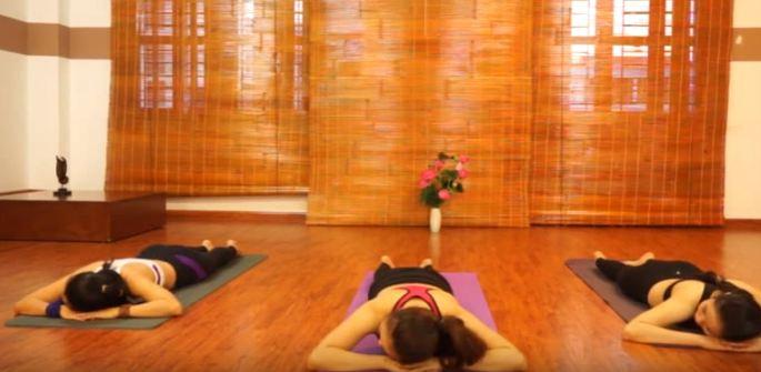 bài tập yoga chữa đau cổ vai gáy-9
