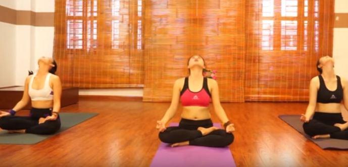 bài tập yoga chữa đau cổ vai gáy-2