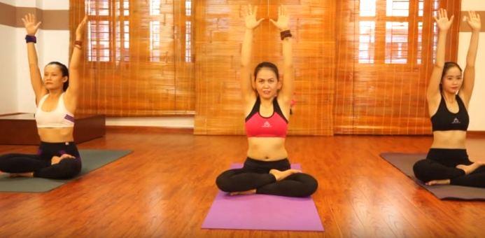 bài tập yoga chữa đau cổ vai gáy-3