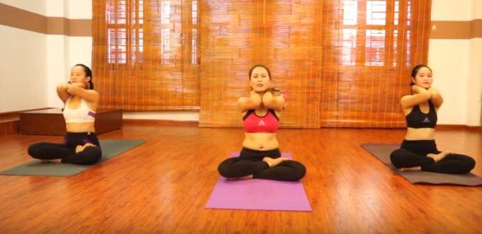 bài tập yoga chữa đau cổ vai gáy-5