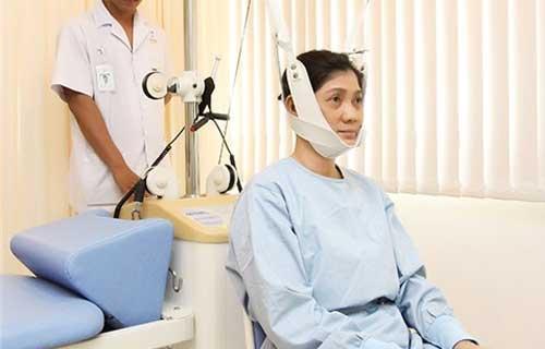 chữa bệnh đau cổ vai gáy