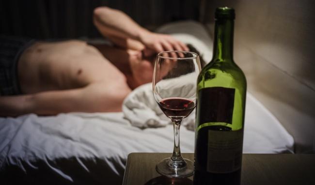 Rượu bia dễ gây ra đau đầu sau khi uống
